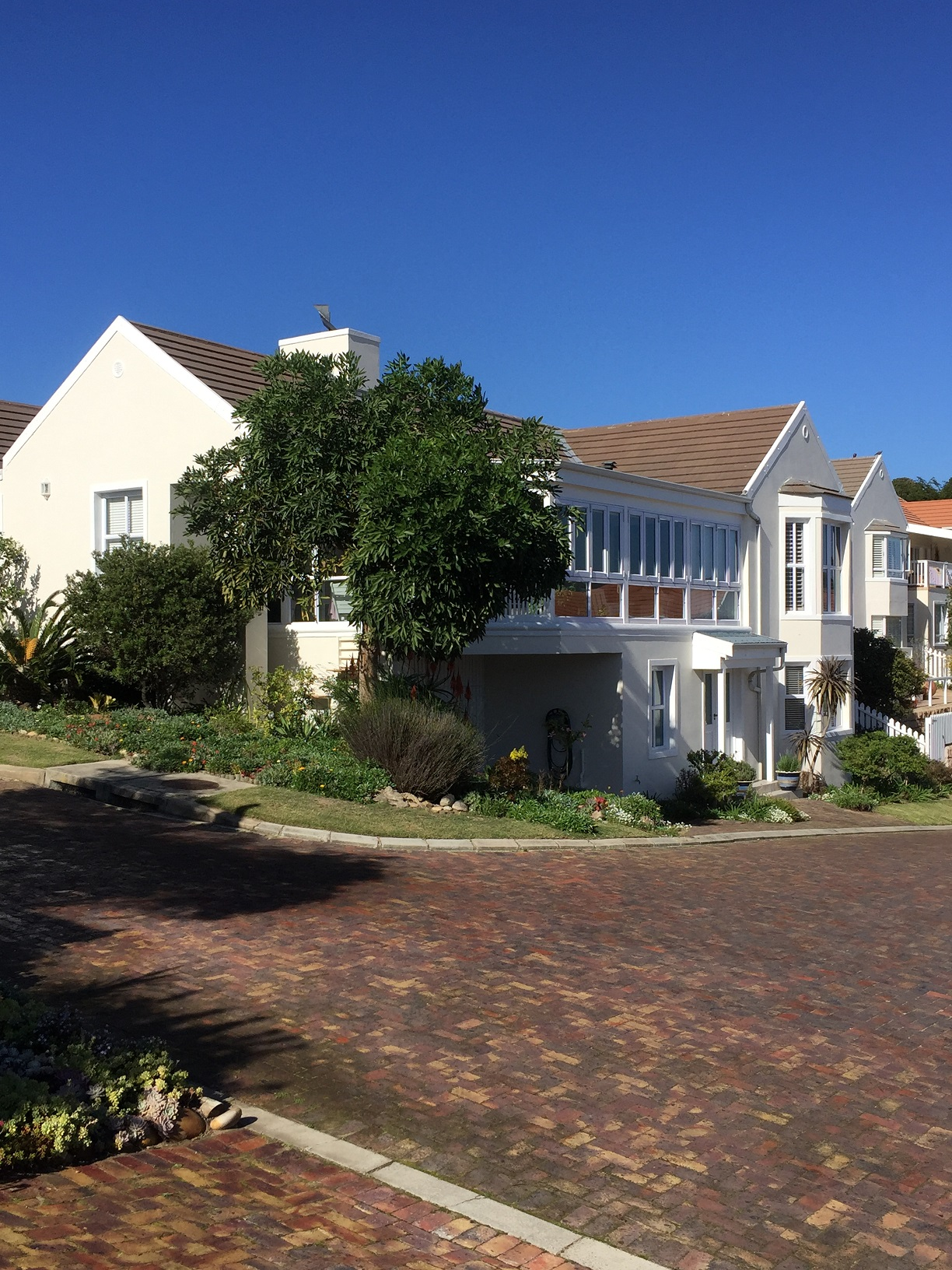 Hunters Village – the best. Reduced by R500 000!! Opportunity of a lifetime.
